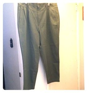 EUC Lee khaki pants lt green 26WP